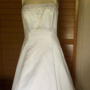 White Wedding Dress With